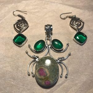 Jewelry - Pendant and earrings set. 925 sterling silver